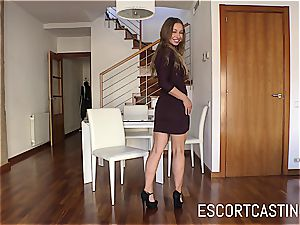 beautiful Taylor Sands proves that she can sate a guy