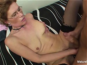 Mature biotch with glasses luvs getting nailed