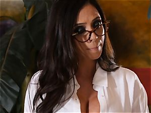 nasty student Riley Reid controls the coochie of lecturer Ariella Ferrera