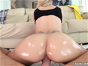 Jessa Rhodes is lubricated up and prepped to be humped