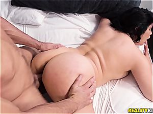 phat latina cumslut gets pummeled in her very first episode