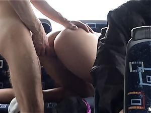 Lindsey Olsen romps her man on a public bus