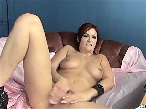 sensual Jayden Cole loves teasing her sweet humid clit
